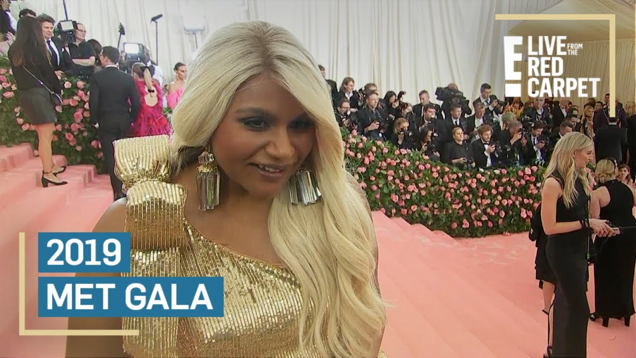 Mindy Kaling Wows As A Platinum Blonde At 2019 Met Gala E Red Carpet Award Shows Youtube