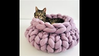 HOW TO HAND KNIT A CAT BED WITHIN 30 MINUTES