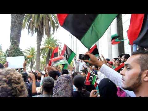 LIBICI E Tunisini All'ambasciata Libica A Tun 20 Ottobre 2011
