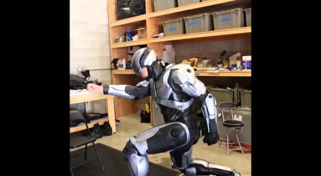 The Robocop Suit Featurette Clip Youtube