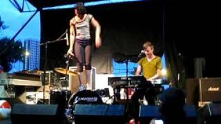 Matt and Kim-- Daylight LIVE @ Pitchfork 2009