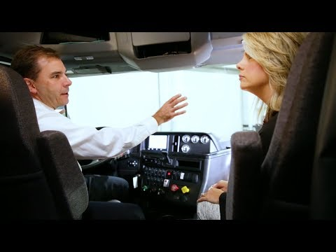 Dean Oppermann gives us a show and tell of Navistar's super truck, CATALIST.