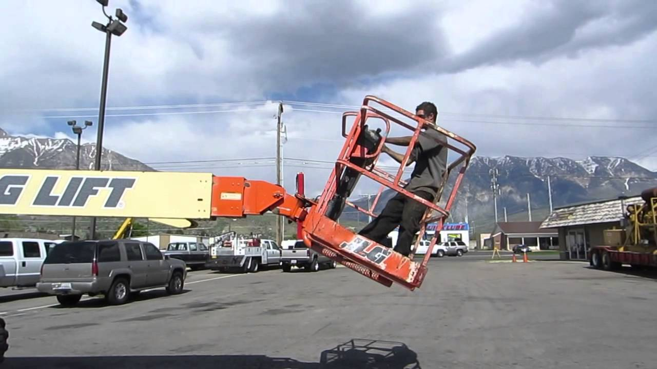 SOLD - Aerial Manlift Boom Lift JLG 600S 60' 4x4 Diesel 66' Working Height  FOR SALE $18,000