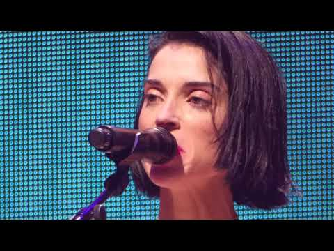 Клип St. Vincent - Dancing With A Ghost