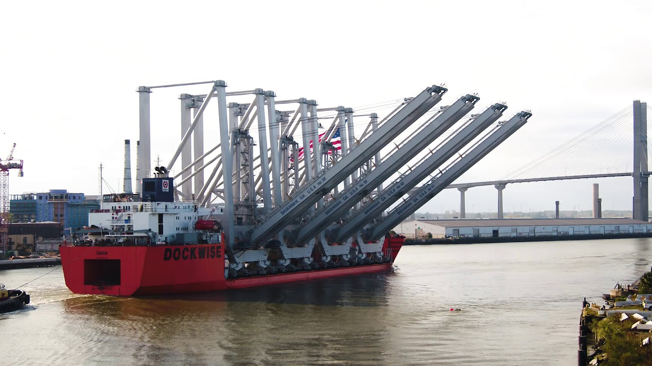 Super-sized cranes arrive in Savannah