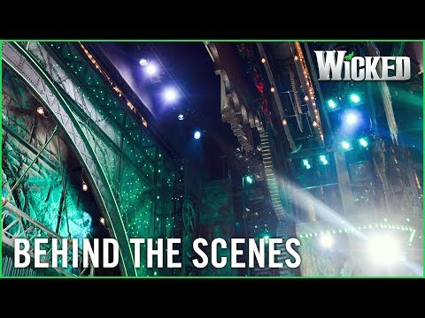 Wicked UK | Behind the Emerald Curtain: Stage Management