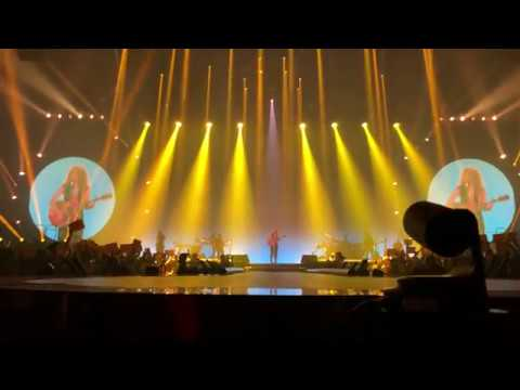 Shakira - Amarillo ( El Dorado World Tour ) | Milano