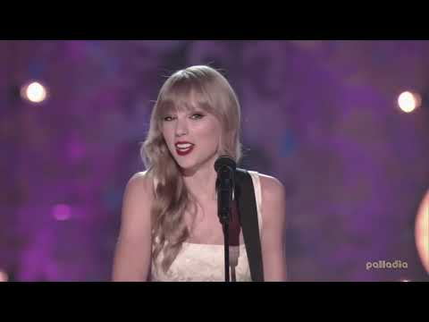 Taylor Swift - We Are Never Ever Getting Back  (Live Harvey Mudd College)