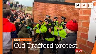 Manchester United v Liverpool game postponed after fan protest  @BBC News live 🔴 BBC