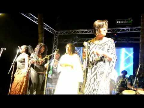 Monique Saka  feat Binta Laly, Oumou Dioubaté, Sia Tolno