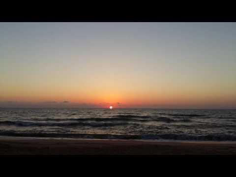 Невероятно красивый рассвет на море. Арабатская стрелка, август 2016