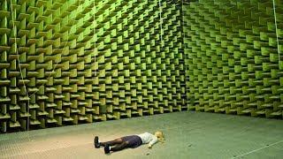 Dziewczyna spędziła ZALEDWIE 48 minut w dźwiękoszczelnym pomieszczeniu. Oto co  się z nią stało