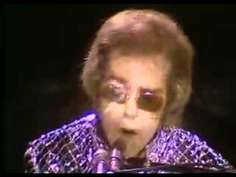 Elton John - Mona Lisas And Mad Hatters (1972)