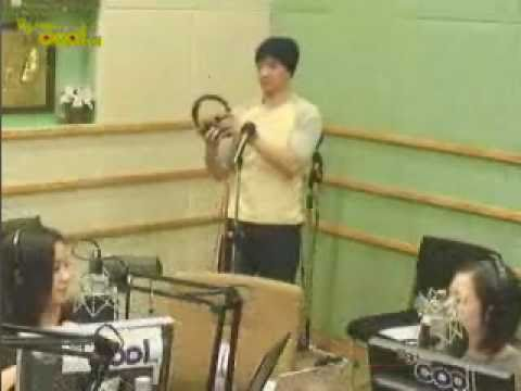 Tim(팀) - Lucky (Solo Ver./ Jason Mraz. cover live) @ 2010.12.03 Visible Radio. Guest: Lena Park, Tim