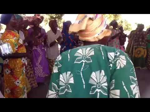 Download Traditional women's dance Mende, Doguere, Peni, Mandoul, Chad