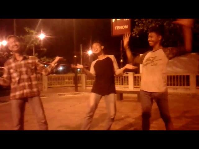 Tenom dance lagi syantik