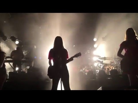 HAIM - (first time playing New Song) Nothing's Wrong - The Observatory - Orange County - 5/17/16