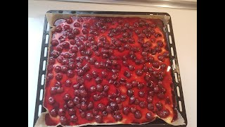 Leckerer Kirschkuchen mit Pudding, Blechkuchen