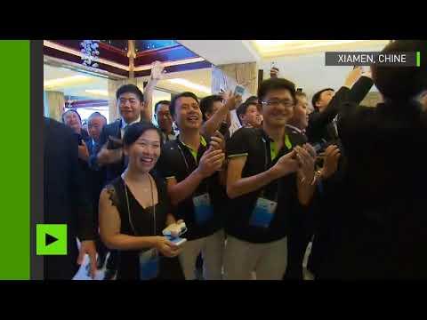 Poutine a eu droit à des adieux chaleureux du personnel de l'organisation du sommet de Xiamen