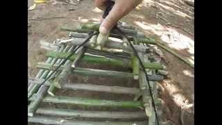 """Como fazer uma arapuca """"armadilha"""". (How to make a trap (trap))"""