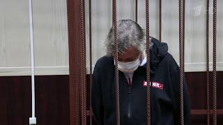 """После """"пьяной"""" аварии Михаил Ефремов проведет под домашним арестом два месяца."""