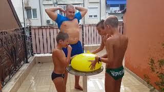 🔊 Грамадни балони, супер грамадни балони.  🎉 Домашни забавления с водни балони.