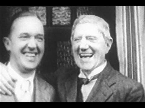 Stan Laurel Visits His Dad in England (1932)