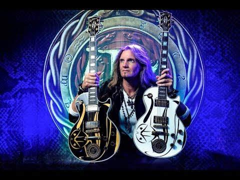 "WHITESNAKE's JOEL HOEKSTRA: ""The Choruses On The New Album Beg to be Sung by the Crowd"""