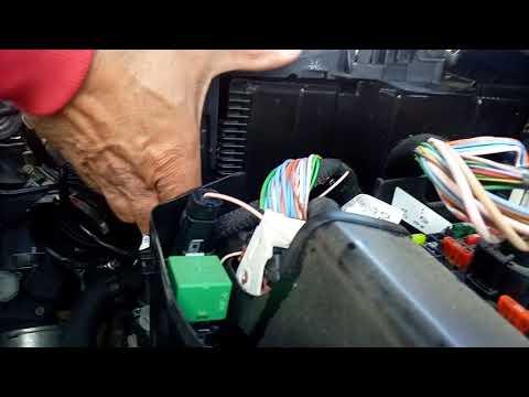 Peugeot RCZ R battery replacement