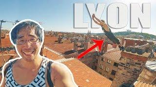 A LYON, LES TUILES C'EST FRAGILE !!