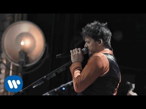 Coque Malla - Pétalos, sonrisas y desastres (Irrepetible) (Videoclip Oficial)