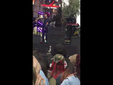 Willow Smith- Wait a Minute LIVE at Soulquarious FULL