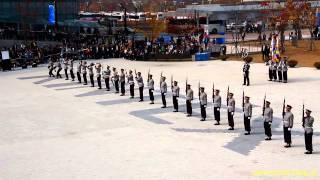 국군 의장대 시범 - 일산킨텍스 제9회 서울 국제 항공우주 및 방위산업 전시회 2013