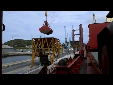 Mv Orient Trader at Sao Francisco do Sul Port | Discharging GMAP in Bulk - Hold #05 (Aug 4th, 2016)