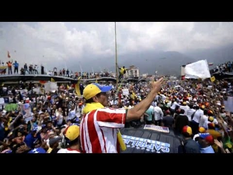 Capriles campaigns in the city of Merida