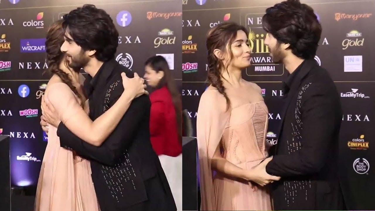 Shahid Kapoor & Alia Bhatt CUTE MOMENTS At IIFA AWARDS 2019