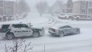 Cop Helping Ford Mustang in Denver Snow Storm !!