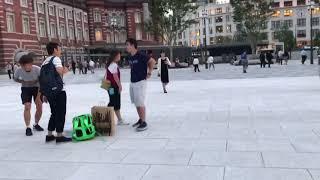 東京駅 丸の内中央口から丸ビルと新丸ビル前の広場へ