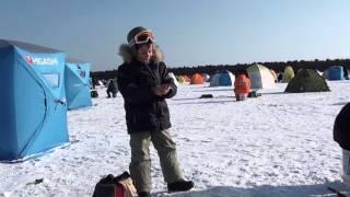 Сахалин. оз. Малое Буссе. Зимняя рыбалка корюшки. Видео 2(Улов составил с 9-30 до 14-00 часа 564 шт. или 15 кг. на четверых. Средний вес одной единицы 26 грамм. Ловилась на..., 2016-01-18T08:15:23.000Z)