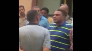 """رواد """"يوتيوب"""" يتداولون مقطع فيديو لحظة القبض على """"عكاشة"""" بتهمة اختطاف ابنه"""