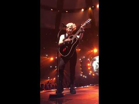 Indochine - Electrastar, live 13 Tour (extrait)