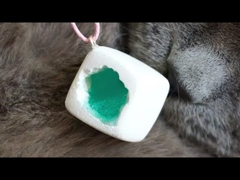 POLYMER + EPOXY RESIN / PENDANTS MADE OUT OF AN EPOXY RESIN / 10 CHEAP AND EASY DIY JEWELRY IDEAS