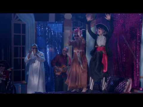 GLEE Full Performance Of Lucky Star