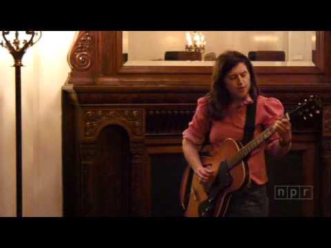 "Mirah Sings ""The World Is Falling Apart"" at SXSW 2009"
