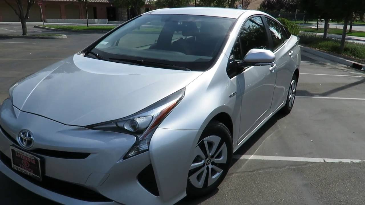Video Tour 2016 2017 Toyota Prius Model 3 In Clic Silver