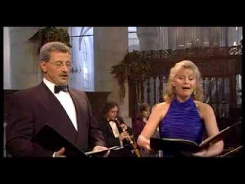 """Lisa Larsson and Klaus Mertens sing """"Mein Freund ist mein"""""""