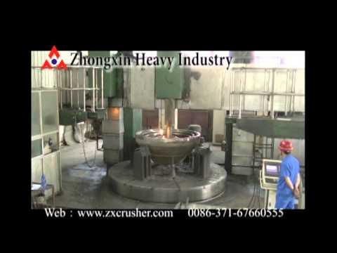 The ZhongXin Heavy Industry crusher's workshop