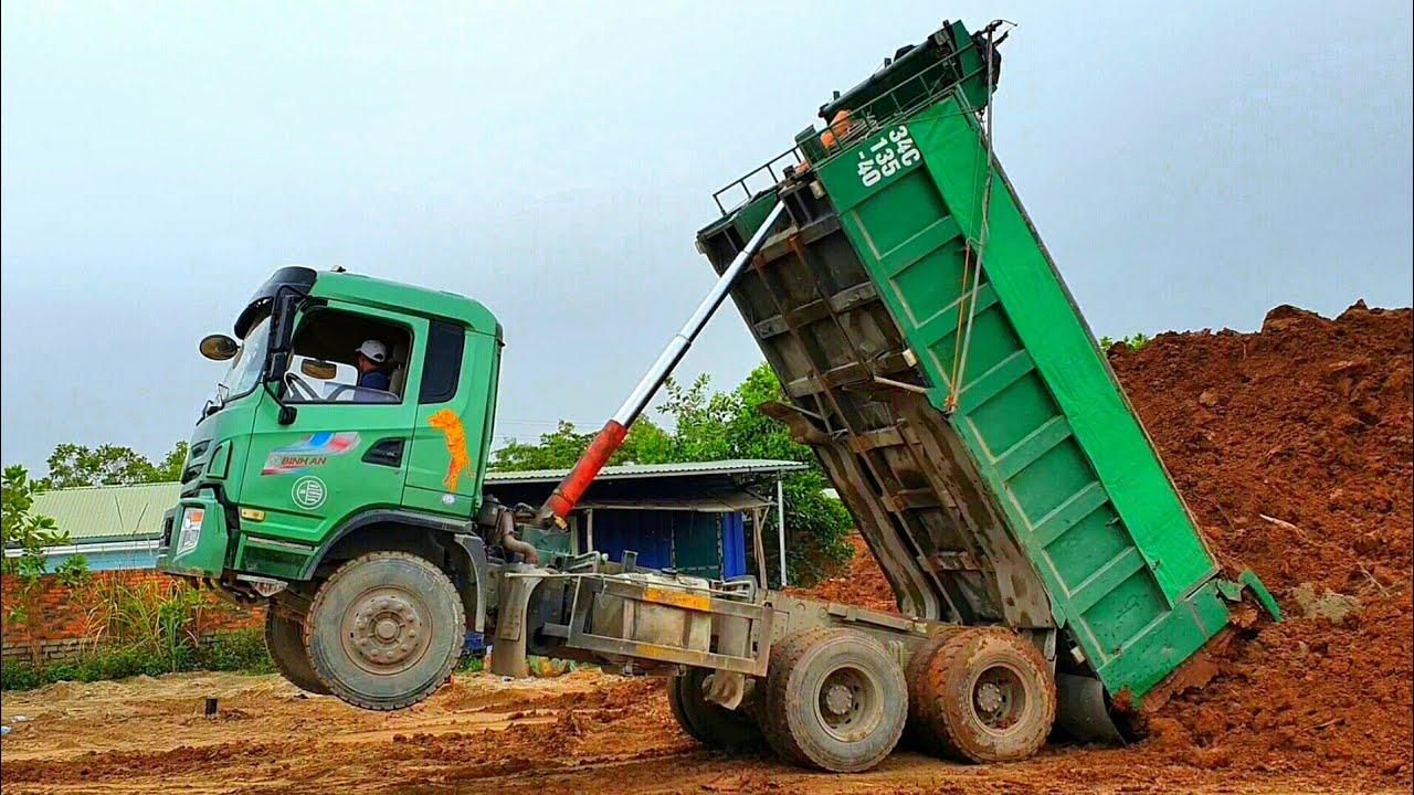 Xe Ô Tô Tải Ben Chở Và Đổ Đất Bốc Đầu Siêu Cao   Dump Truck Excavator   TienTube TV