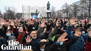 Thousands rally across Russia to call for Navalny's release