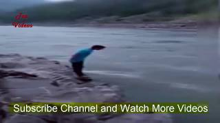 Neelam Point Kohala    20 Years Old Ali Swimming For A Mobile Phone